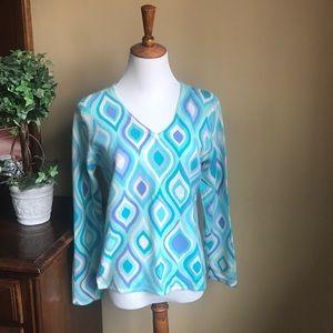 Bright and vibrant pure cashmere v-neck sweater